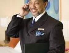 Qual é o salário anual de um gerente de hotel?